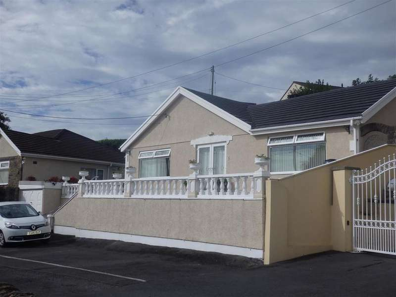 3 Bedrooms Bungalow for sale in Rhandirfelen, Llanelli