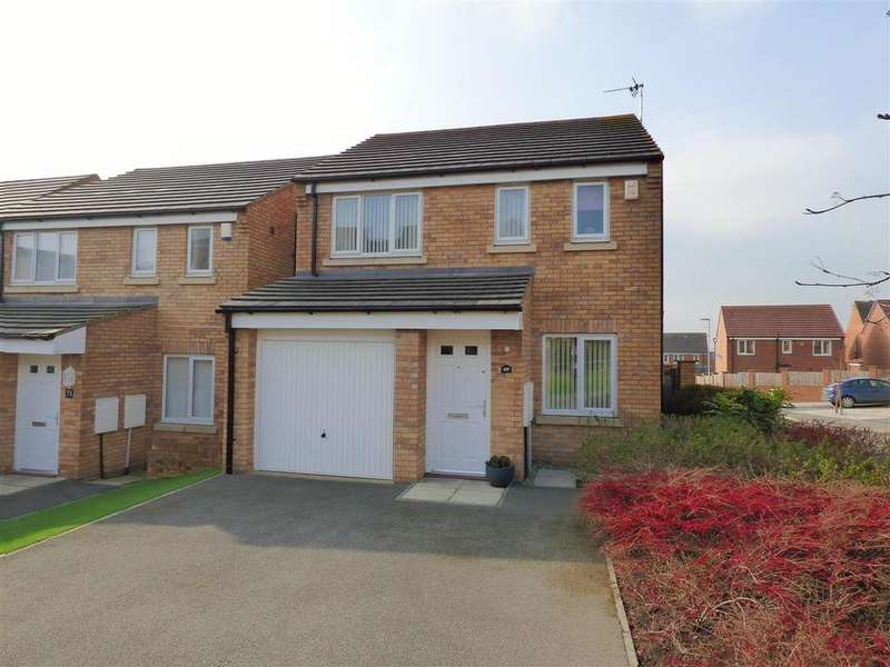 3 Bedrooms Detached House for sale in Burnleys Mill Road, Gomersal, Cleckheaton