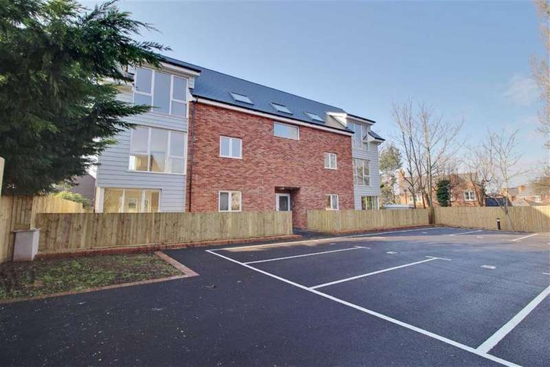 2 Bedrooms Apartment Flat for sale in Culver Street, Newent, Gloucestershire