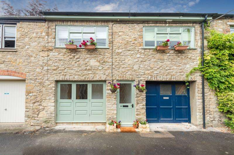 3 Bedrooms Terraced House for sale in Rectory Lane, Woodstock, Oxfordshire