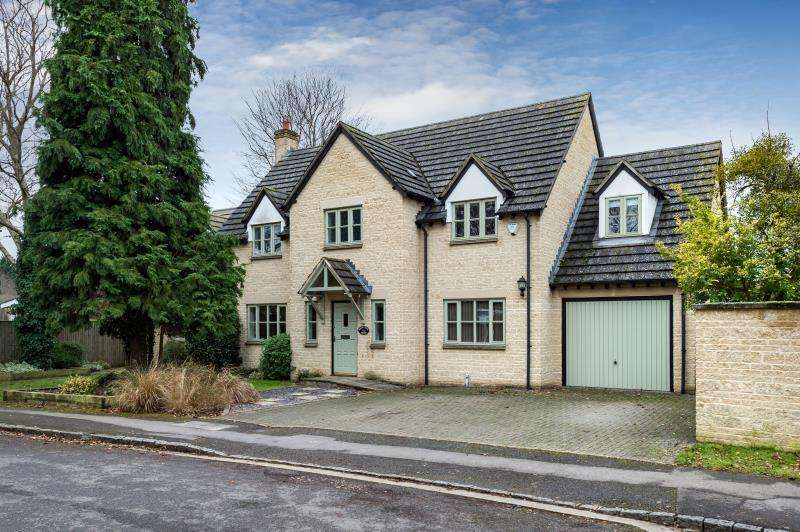 5 Bedrooms Detached House for sale in Berry Tree House, The Glebe, Standlake, Witney, Oxfordshire