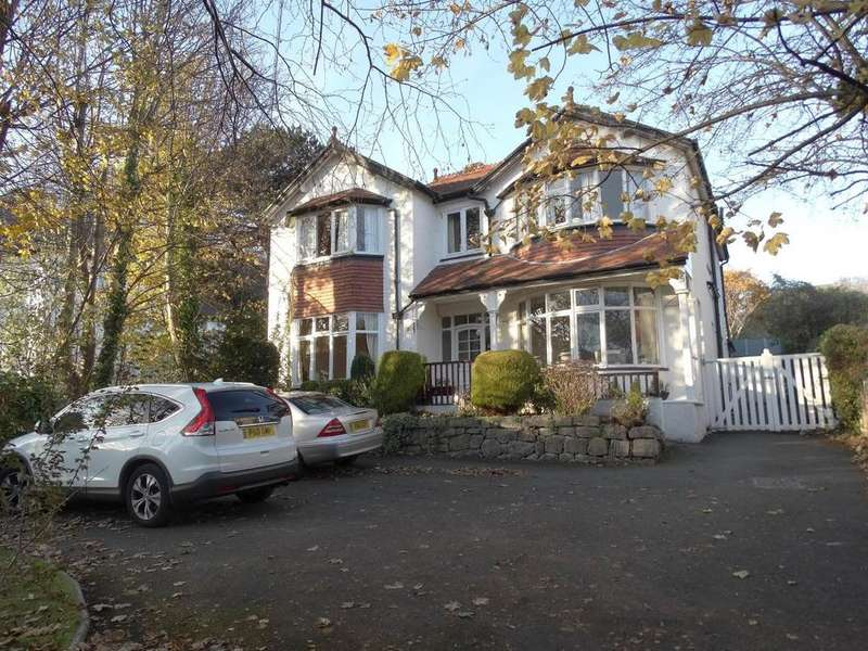 10 Bedrooms Detached House for sale in Halewood 40 Llannerch Road West, Rhos on Sea, LL28 4AS