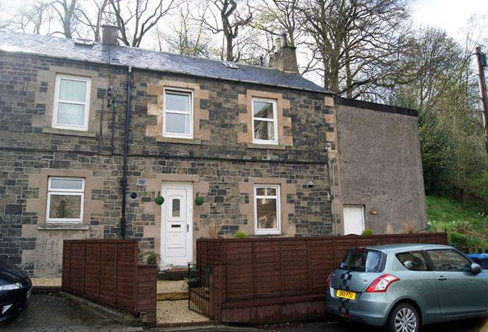 2 Bedrooms Flat for sale in 20a Dunsdale Road, Selkirk, TD7 5EB