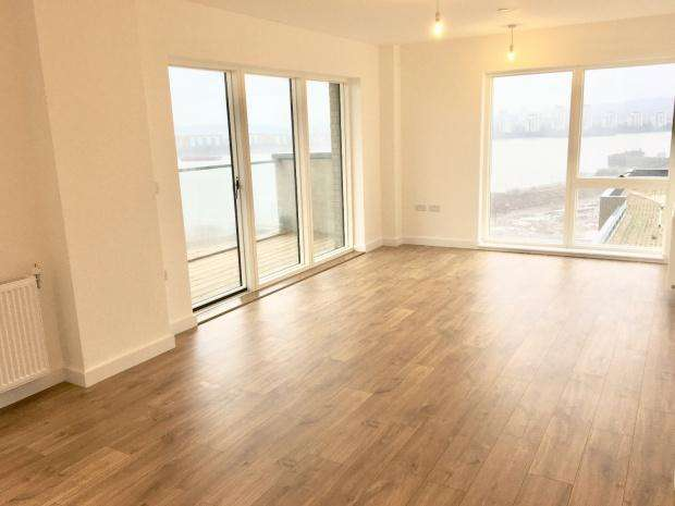 2 Bedrooms Apartment Flat for sale in E Tower Magellan Blvd, Royal Docks, E16