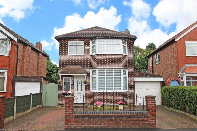 3 Bedrooms Detached House for sale in Warwick Drive, Davyhulme, Manchester, M41