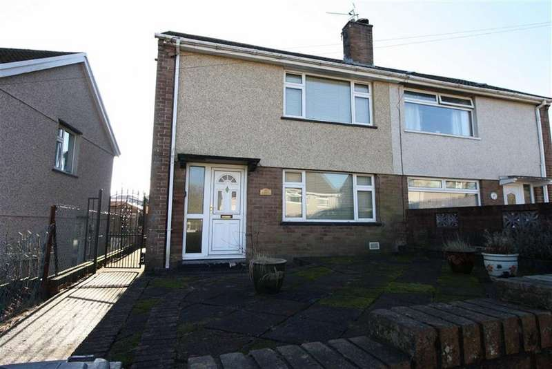 2 Bedrooms Semi Detached House for sale in Maesgwyn, Cwmdare, Aberdare