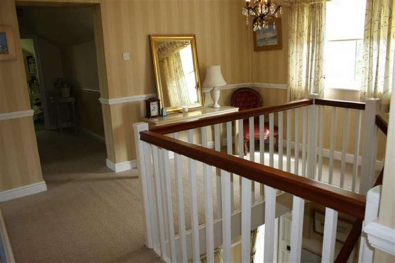 4 Bedrooms Detached House for sale in Lon Las, Llwydcoed, Aberdare