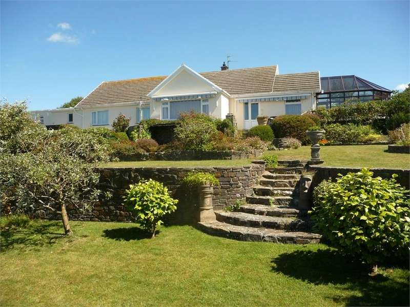 5 Bedrooms Detached Bungalow for sale in Golf Course Road, Newport, Pembrokeshire