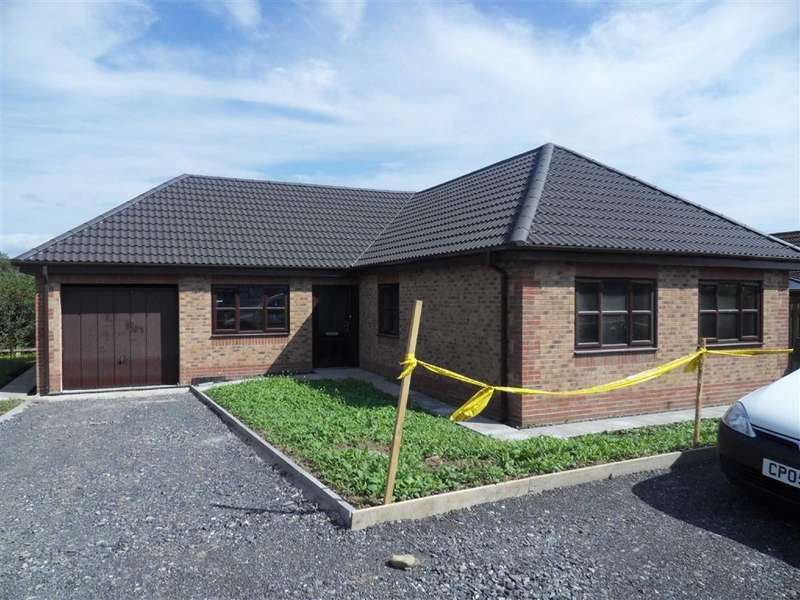 4 Bedrooms Detached Bungalow for sale in Parc Gwendraeth, Kidwelly