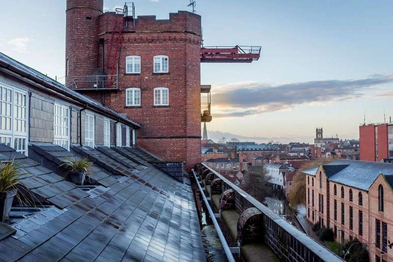 3 Bedrooms Flat for sale in Rowntree Wharf, Navigation Road, York