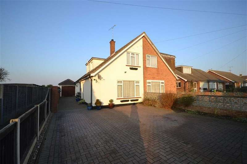 3 Bedrooms Semi Detached House for sale in Spells Close, Southminster, Essex