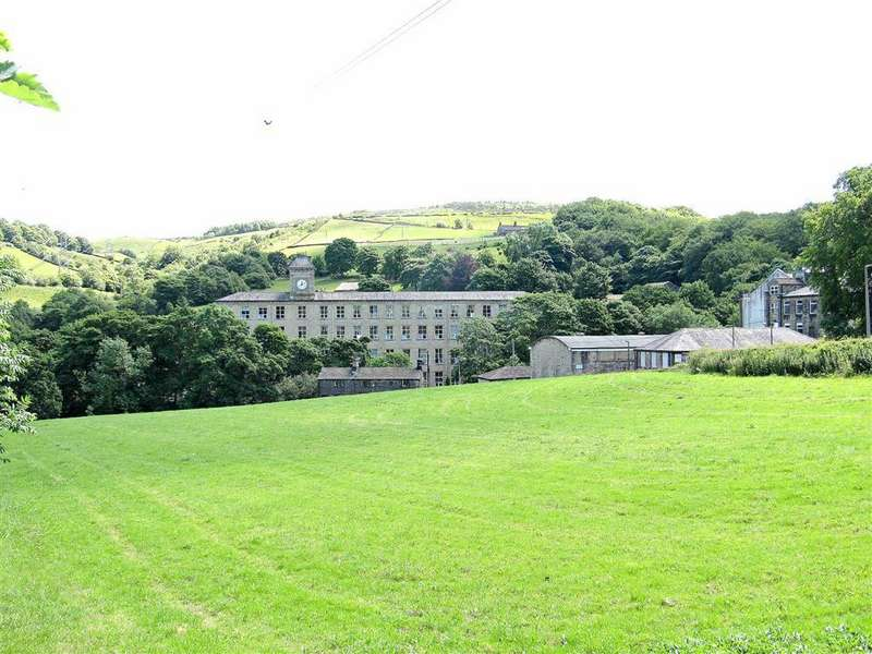 2 Bedrooms Apartment Flat for sale in Rishworth Palace (Second Floor), Rishworth