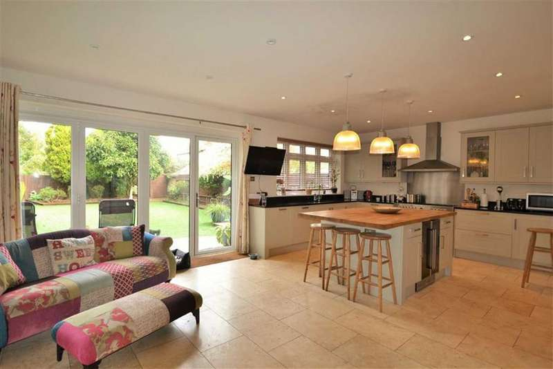 6 Bedrooms Detached House for sale in Goddington Lane, Orpington, Kent