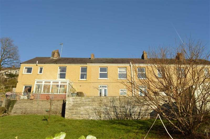 4 Bedrooms Terraced House for sale in Brynaeron, Dunvant, Swansea
