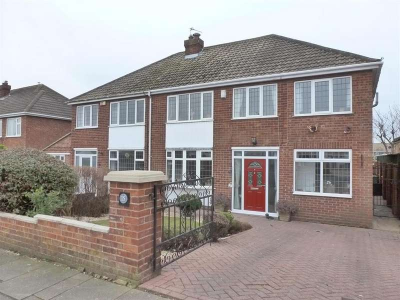 4 Bedrooms Semi Detached House for sale in Pearson Road, Cleethorpes