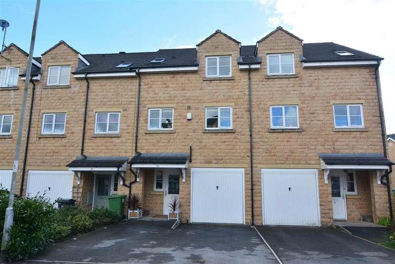 4 Bedrooms Town House for sale in Aldersyde Road, Guiseley, Leeds