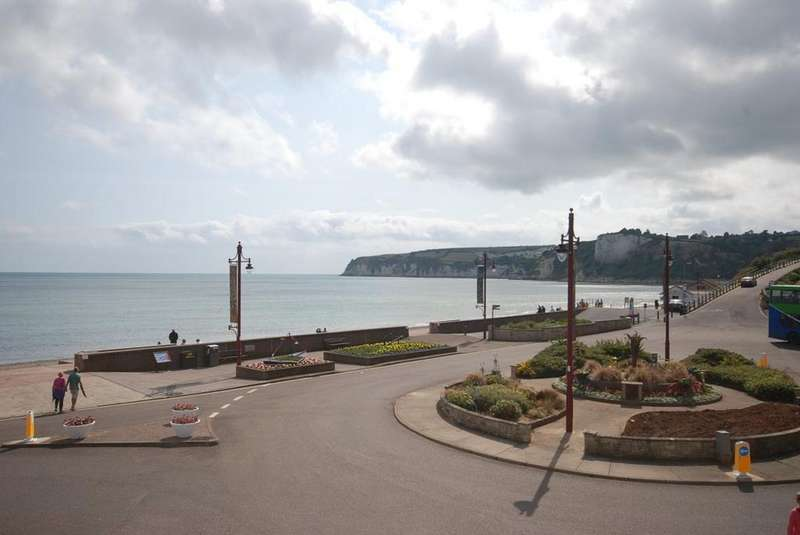 1 Bedroom Flat for rent in 4 Harbour Road, Seaton
