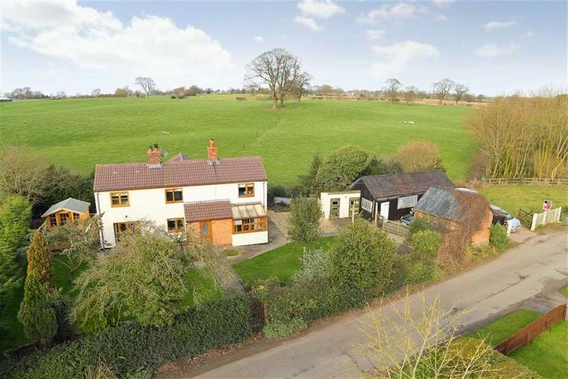 3 Bedrooms Detached House for sale in Hollinwood, Whitchurch, SY13
