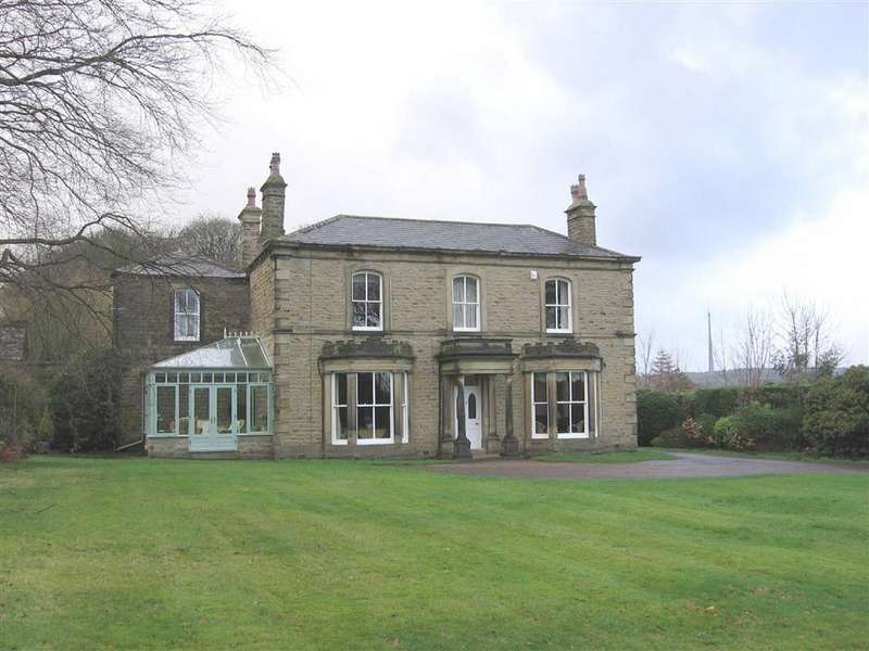 5 Bedrooms Detached House for sale in High Street, Clayton West, Huddersfield, HD8