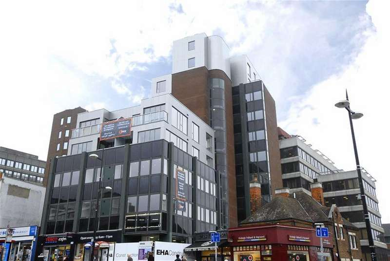 2 Bedrooms Flat for sale in High Street, Bromley, Kent