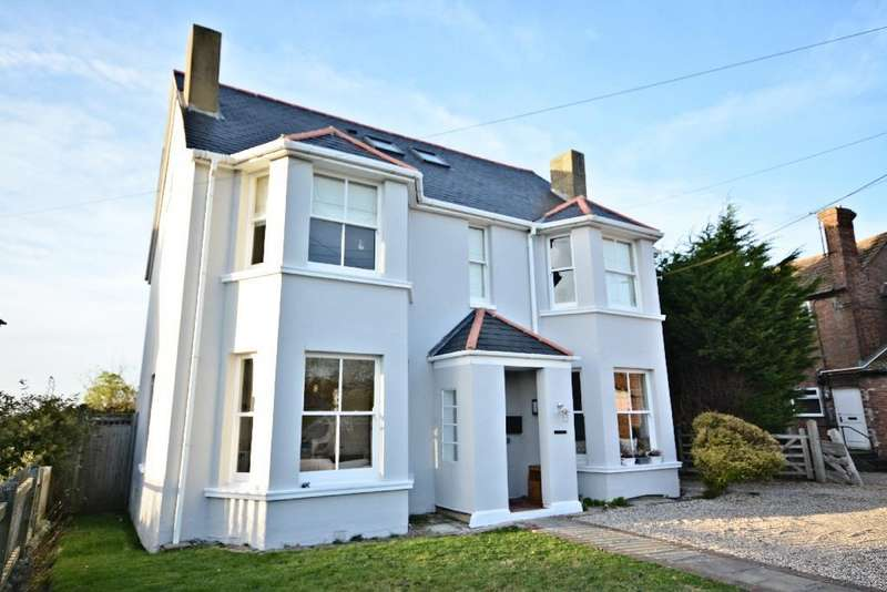 5 Bedrooms Detached House for sale in Main Road, Westfield
