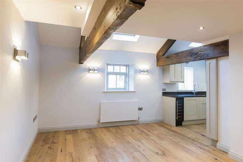 2 Bedrooms Town House for sale in 2 Clementhorpe Maltings, Lower Darnbrough Street, York