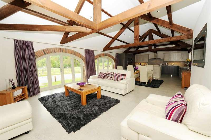 5 Bedrooms Barn Conversion Character Property for sale in St. Martins, Richmond