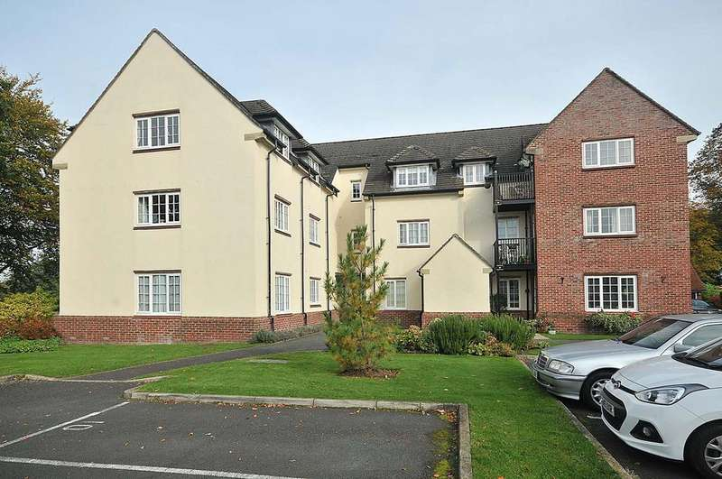 2 Bedrooms Apartment Flat for sale in The Sycamores, Warford Park, Mobberley