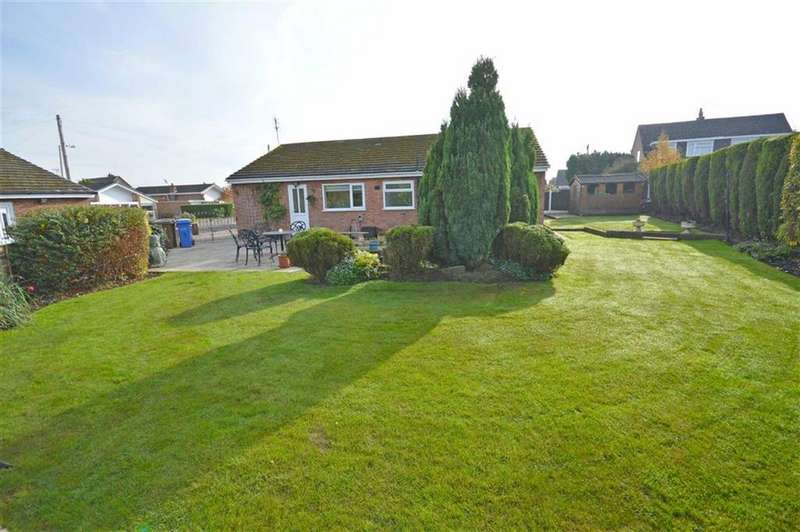 3 Bedrooms Detached Bungalow for sale in Flint Close, Hazel Grove, Cheshire