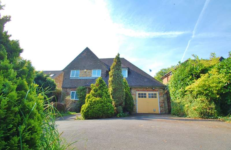 4 Bedrooms Detached House for sale in Daleside, Gerrards Cross, SL9