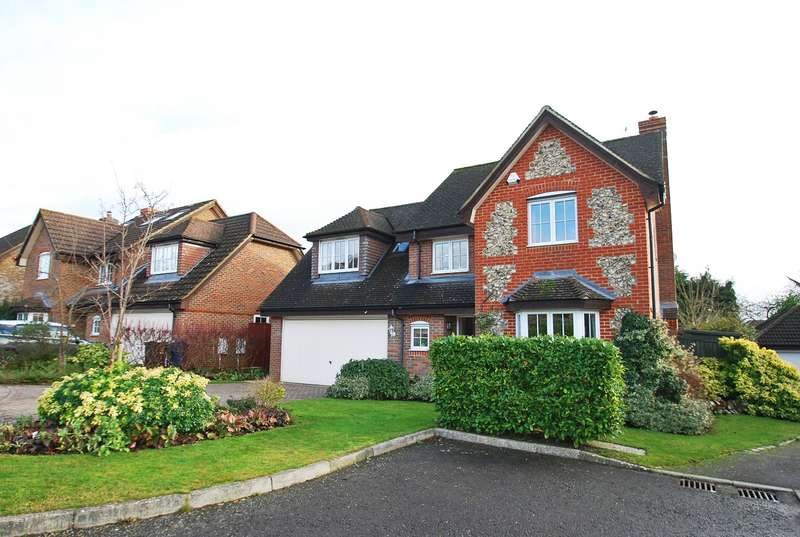 4 Bedrooms House for sale in Hearnes Close, Seer Green, HP9