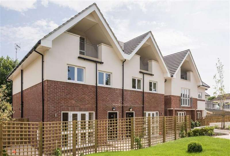 5 Bedrooms Semi Detached House for sale in Brunswick Park Road, New Southgate, London