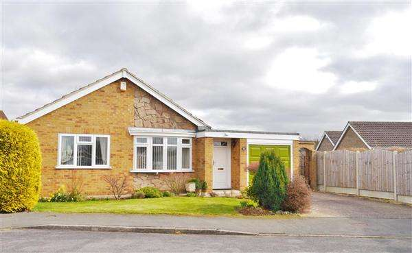 2 Bedrooms Detached Bungalow for sale in Portsmouth Close, Grantham