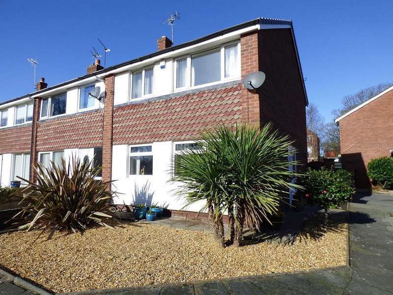 3 Bedrooms Semi Detached House for sale in Vicarage Close, St Annes
