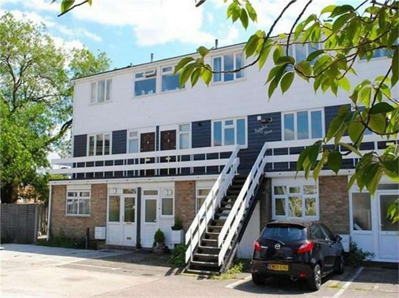 3 Bedrooms Maisonette Flat for sale in 6 Bridgeford House, South Street, Bishop's Stortford