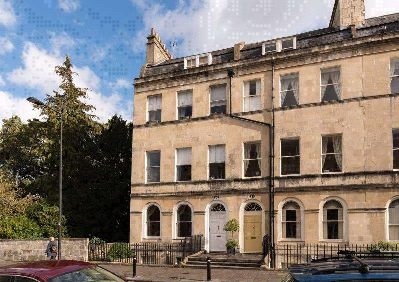 3 Bedrooms Maisonette Flat for sale in Henrietta Street, Bath, BA2
