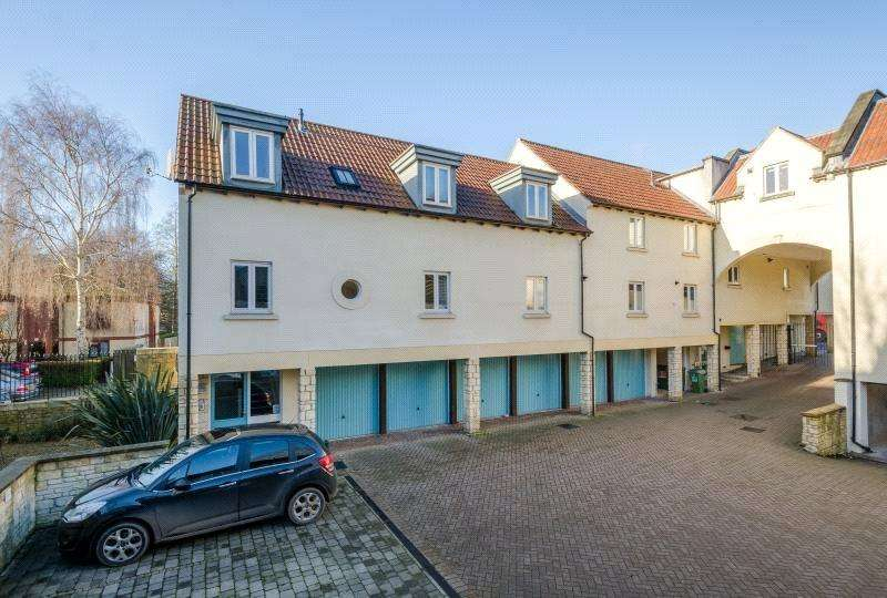 2 Bedrooms Flat for sale in Windsor Castle, Upper Bristol Road, Bath, BA1