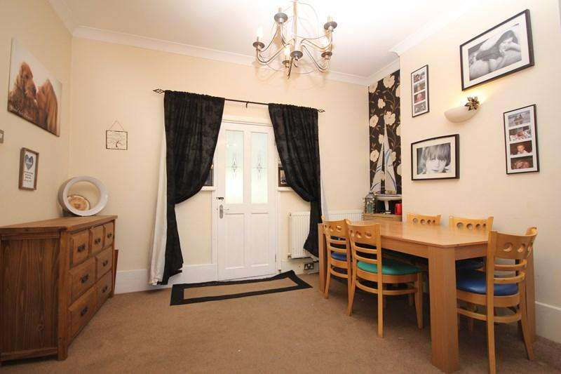 3 Bedrooms Detached House for sale in Thorpe Road, Great Clacton