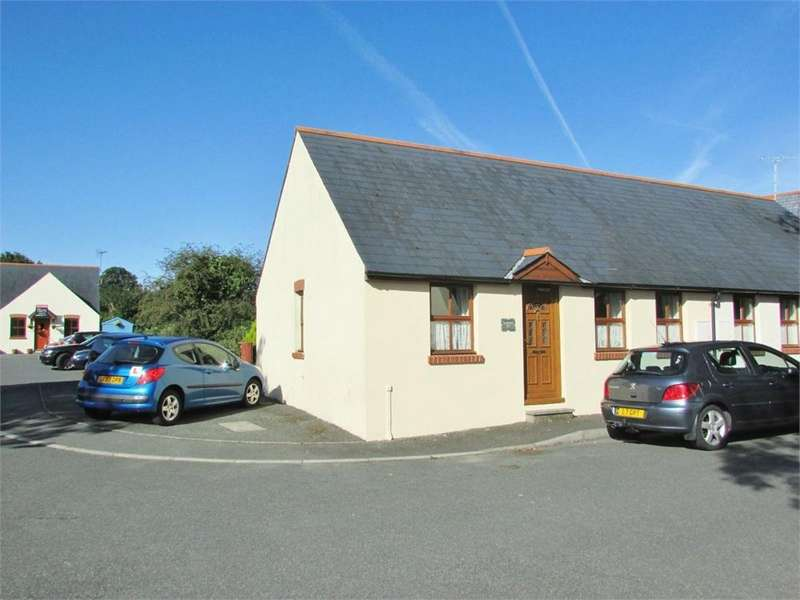 2 Bedrooms Semi Detached Bungalow for sale in Old Keg Yard, Narberth, Pembrokeshire
