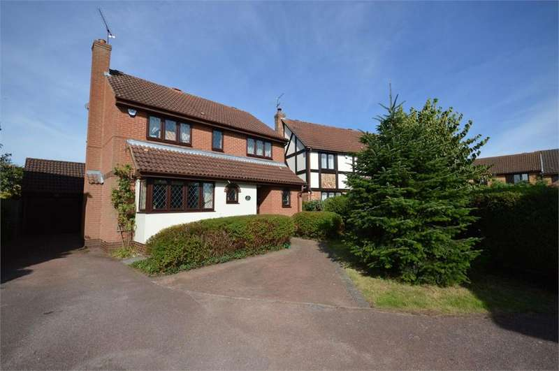 4 Bedrooms Detached House for sale in Elderberry Way, Garston, Hertfordshire, WD25