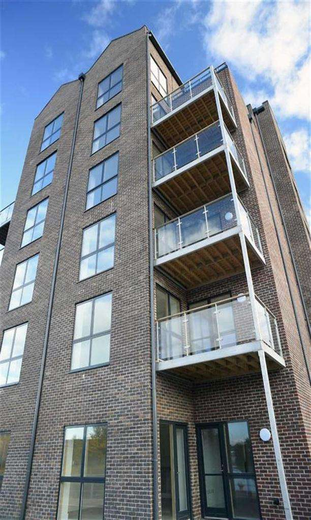 3 Bedrooms Duplex Flat for sale in Portside Street, Nottingham