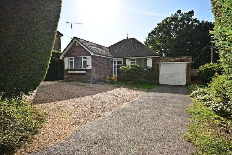 3 Bedrooms Bungalow for sale in Sandrock Hill, Crowhurst