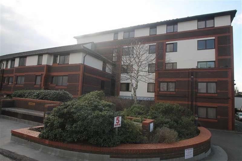 1 Bedroom Retirement Property for sale in Gordon Place, Southend On Sea, Essex