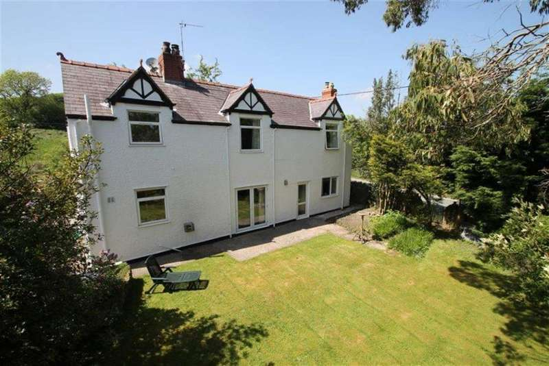 4 Bedrooms Detached House for sale in Old Road, Bwlchgwyn