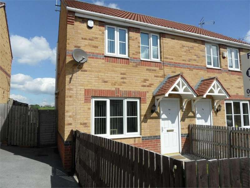3 Bedrooms Semi Detached House for sale in Wentworth Crescent, BRADFORD, West Yorkshire