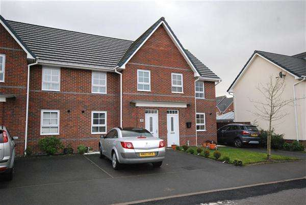 3 Bedrooms Mews House for sale in Omrod Road, Rochdale