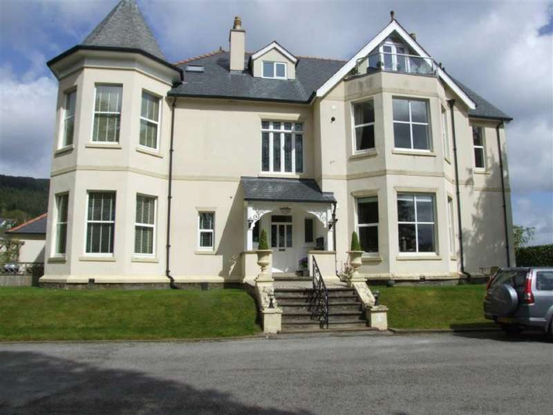 2 Bedrooms Flat for sale in Plas Meirion, Trefriw, Conwy