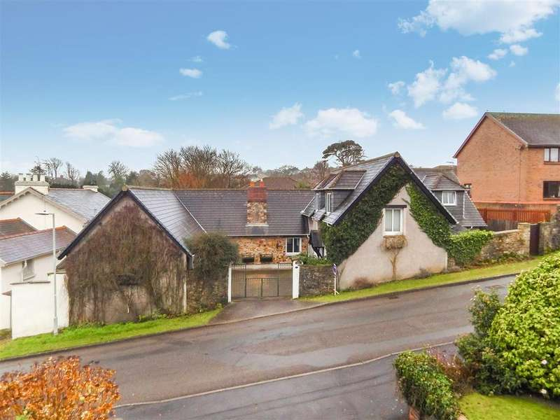 4 Bedrooms Detached House for sale in Owls Lodge Lane, Mayals