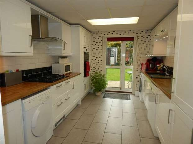 4 Bedrooms Terraced House for sale in Cambridge Road, Anerley, London