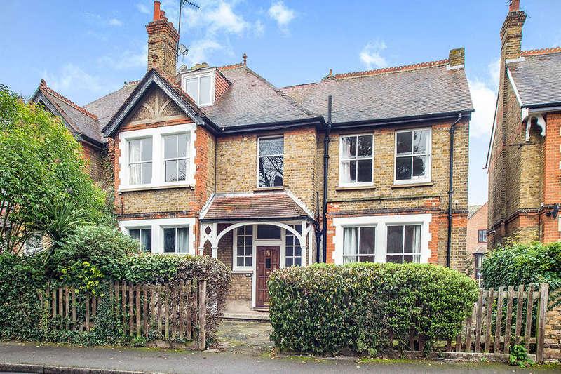 1 Bedroom Flat for sale in Grove Crescent, Kingston Upon Thames, KT1